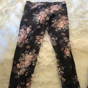 Flowered leggings.  Size medium.